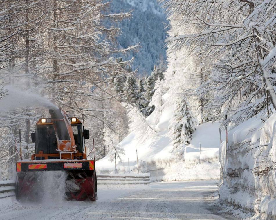 Pulizia delle strade dalla neve a Livigno